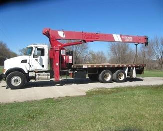 2007 Mack Granite Heavy Spec With a ( 920 A National) Crane) MILES 57,335 Hours 4812-