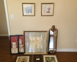 14 Pieces of Wall Decor
