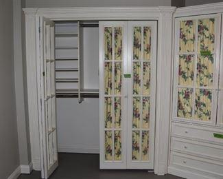 $100 doors