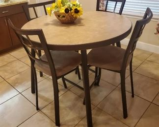 Tall round table with 4 chairs