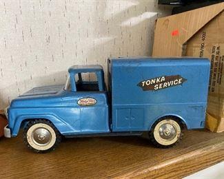 Vintage metal Tonka Service truck