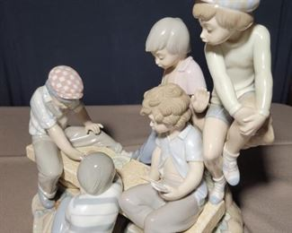 Zephir Lladro Boys Playing Cards