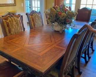 Henredon Dining Table & 8 chairs