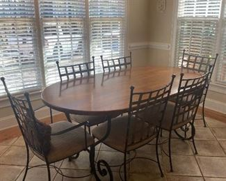 Charleston Forge table and 6 chairs