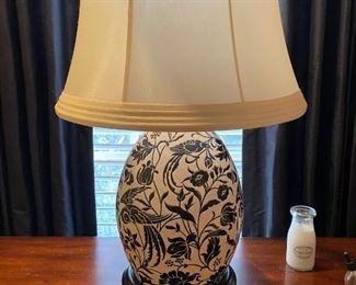 Black & White lamp (2)