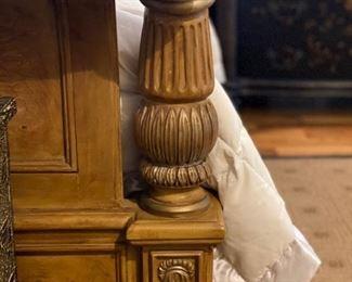Hendredon Queen Bed detail