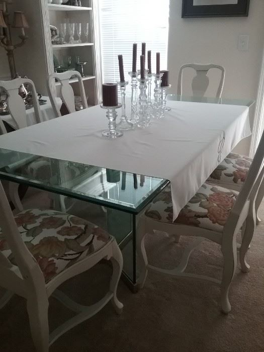 Gorgeous glass top table and chairs