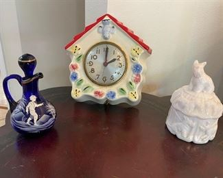 Hull Little Red Riding Hood Clock, Box with Scottish Terrier on top