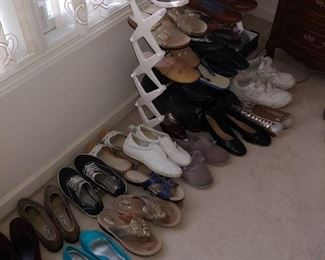 shoes--size 7 1/2