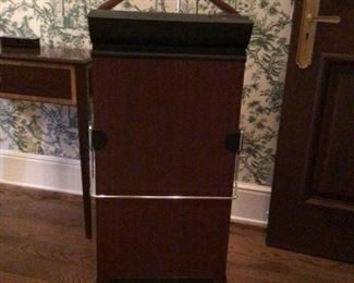 Bentley Trouser Press