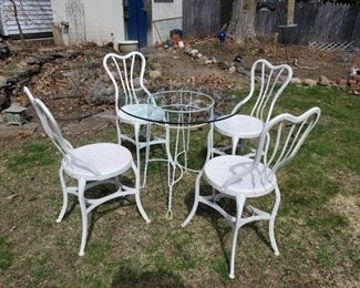 002 Ice Cream Parlor Chair and Table Set
