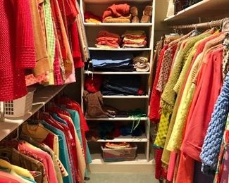 Women's Clothing and shoes of all kinds overview