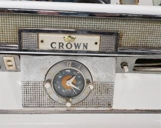 "Vintage Crown White Porcelain 4 burner gas stove with original owners manual Awesome condition 39.5""W x 25""D x 46""H Was $695 Now $595"