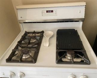 GE gas range XL44