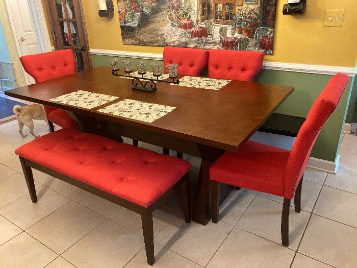 Kitchen table w/4 chairs & bench