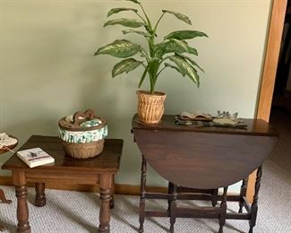 Drop leaf gate leg table, pair of end table
