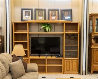This oak shelving unit can be pulled apart and used separately!