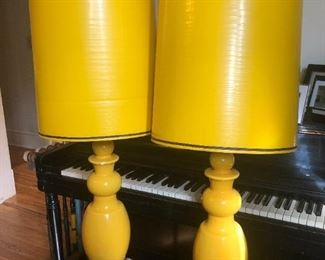 $150- Very vintage/retro pair of lamps, great shape, see next photo for shade damage