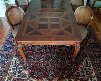 Vintage French Provincial style mahogany parquet burl wood Henredon dining table (with two leaves and all table pads) and set of six matching side chairs.
