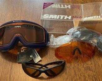 $20.00.....................Ski Goggles (B888)