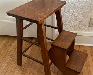 $125.00................Handcrafted Amish? Solid Oak Step Stool (B861)