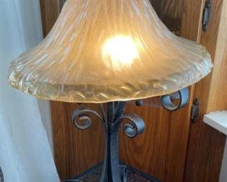 """$20.00.............Lamp 25"""" tall (B023)"""