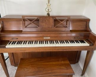 Baldwin Piano (B029)