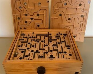 $40.00......................Vintage Labyrinth Wooden Maze Game (B045)