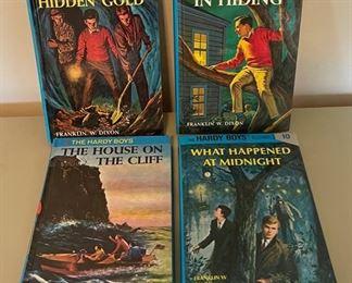 $20.00.....................4 Vintage Hardy Boys Books (B066)