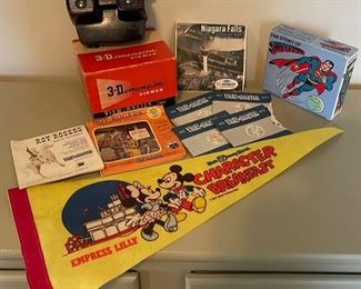 $30.00.........................View master and more  (B075)