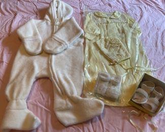 $16.00........................Vintage Baby Clothing (B085)