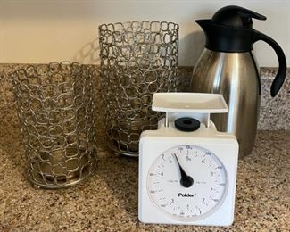 $6.00.....................Kitchen Scale and more (B095)