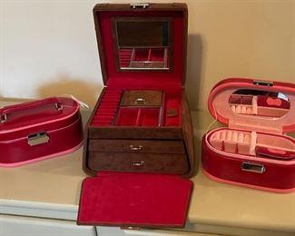 $16.00......................Jewelry Boxes (B150)