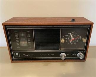 $20.00..................Magnavox Solid State Radio (B152)