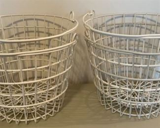 $16.00.................4 large coated wire baskets (B156)
