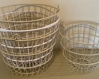 $14.00..................3 large/1 small coated wire baskets (B157)