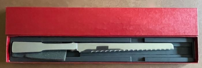 $20.00............Towle Cake Knife with original Box (B233)