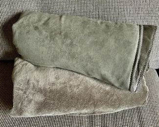 $16.00.......................Pair of soft throw blankets like new (B252)
