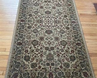 "$20.00.................World Rug Traders 2'7"" x 5' (B274)"