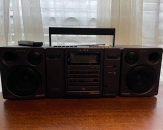 $30.00................Sony Radio (B363)