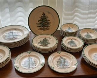 "$150.00.................Spode Christmas Tree Plates *all pictured 9 10 3/4"" plates, 9 8"" plates, 7 7 3/4"" Bowls, 14 6 1/4"" Bowls, 4 9"" Bowls, 6 6 1/2"" saucers  (B323)"