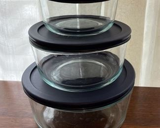 $10.00.................Pyrex Set (B288)