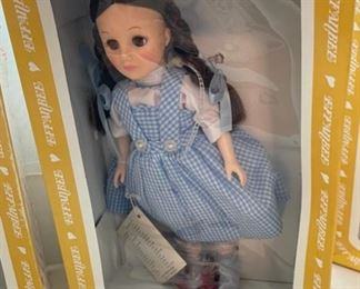 "$30.00..............Effanbee Wizard of Oz ""Dorothy"" Doll w/original box (B487)"