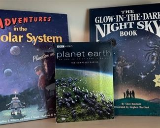 $16.00....................Solar System, Night Sky Books and Planet Earth DVD Set (B496)