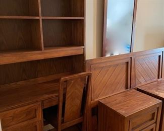$150.00.............Huntley Furniture 6 Piece Bedroom Set, some wear see pictures (B515)