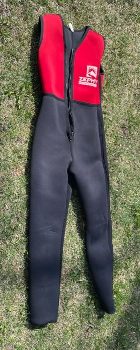 $40.00.....................Zephyr Wet Suit  Medium (B534)