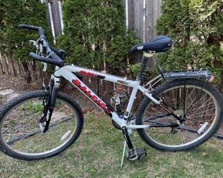 $200.00.................Raleigh M80 Bike (B570)