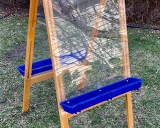 $25.00..................Childs Folding Art Easel (B603)