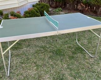 $20.00..............Mini Folding Pong Table (B601)