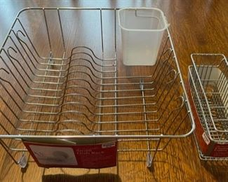 $6.00.................New In Sink Dish Rack (B800)